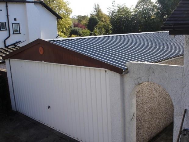 04 – Compton Spa Apex 20′ x 17′. Circa 1995. Purley, Surrey.