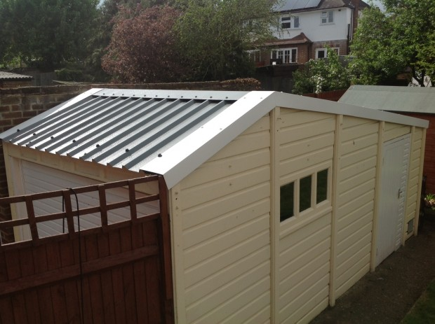 11 – 35 Year Old Garage with Canada tile profile, Sutton, Surrey